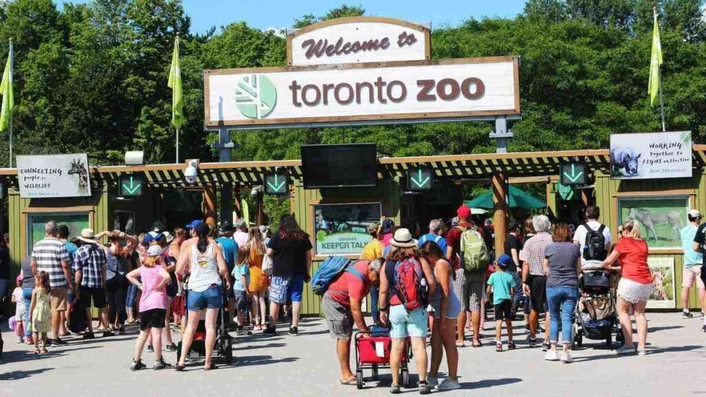 Largest zoo in the world, Toronto Zoo, Canada